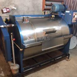آلات غسل وتنظيف تعمل بالماء والمسحوق لتنظيف الزرابي والأغطية والصوف