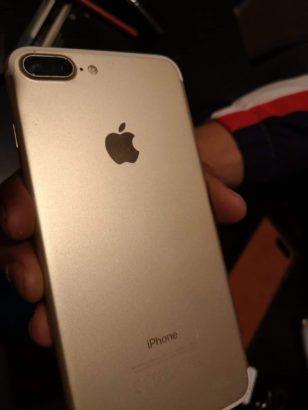 i phone 7 plus  128 go