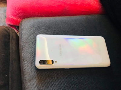 Samsung A50 blanc presque neuf