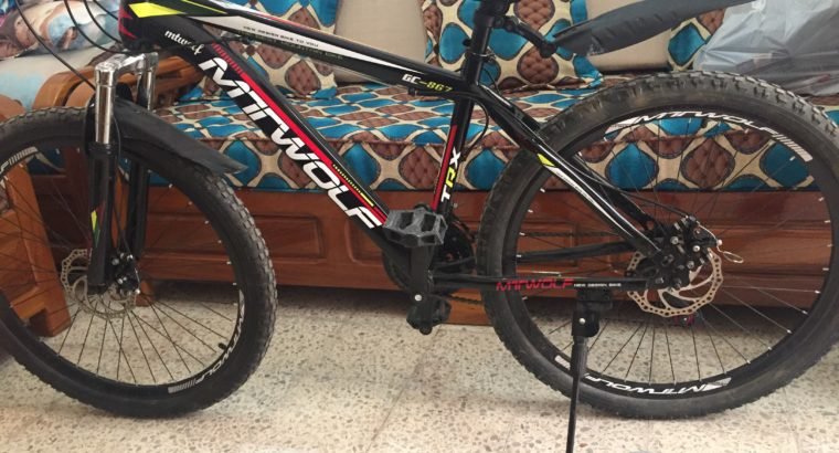 vélo noir MTWOLF