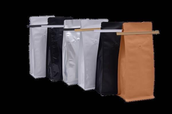 High Quality Flat Bottom Pouches With Tear of zipper (Dubai)